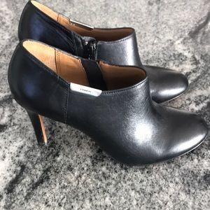 Coach black leather high heel pump shoes